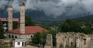 Azerbaycan Askeri ŞUŞA'da Camiyi Temizleyip İlk Ezanı Okudu