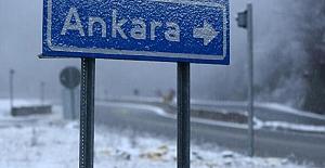 Başkent'e bu yılın ilk karı yağdı