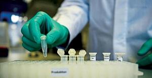 İngiltere'de koronavirüs aşısının dağıtımından sorumlu bakan atandı