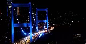 """İstanbul Köprüleri """"Dünya Diabet Günü"""" için maviye büründü"""