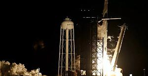 SpaceX ve NASA uzaya ilk operasyonel astronot görevini başlattı