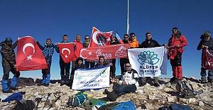 Uludağ'ın zirvesinde Atatürk'ü andılar