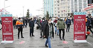 """Beyoğlu Belediye Başkanı Yıldız: """"İstiklal Caddesi'ndeki kalabalık drone ile sürekli kontrol edilecek"""""""