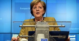 """Merkel: """"Yeni yaptırımlar ihtimal dışı değil"""""""