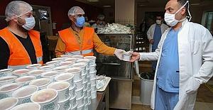 Nilüfer Belediyesi'nden sağlık çalışanlarına aşure