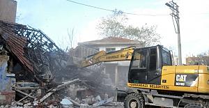 Osmangazi'de 81 Metruk Bina Daha Yıkıldı