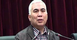 Çin'in toplama kampında tutuklu Uygur Türkü profesörün şiirine beste ve klip!