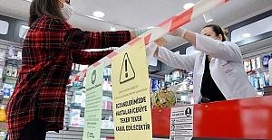 Eczane çalışanları da aşı olmaya başlıyor