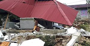 Endonezya'da 6.2 büyüklüğünde deprem: 3 ölü, 24 yaralı, 2 bin kişi tahliye edildi