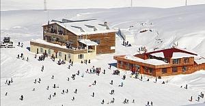 Hakkari, kayak merkezi ile Ortadoğu'nun yeni gözdesi oluyor