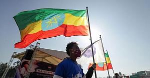 """National Geographic'in ünlü fotoğrafçısı, Etiyopya'da maske takmamasını böyle savundu: """"Onların bağışıklık sistemi güçlü"""""""