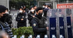 Ankara'da üniversitelilere polis müdahalesi.. Çok sayıda öğrenci gözaltına alındı