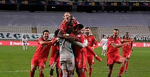 Beşiktaş, Türkiye Kupası'nda penaltılarla yarı finale yükseldi