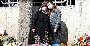 Çiçekçi kadının Oxford'da okuduğunu sandığı kızının İstanbul'da emlakçıda çalıştığı ortaya çıktı