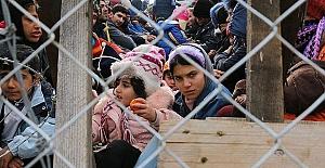 """Feridun Sinirlioğlu: """"Suriye halkının çektiği acıyı görmezden gelemeyiz"""""""