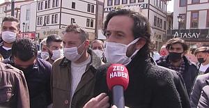Konya'da kısıtlamaya isyan eden esnaf Valilik önünde eylem yaptı