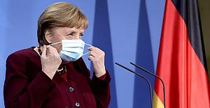 Merkel: Türkiye'nin Doğu Akdeniz'de gerilimi azalttığını gösteren işaretler var
