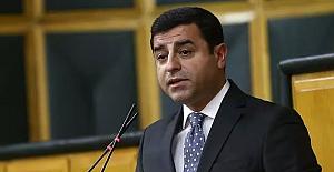 Selahattin Demirtaş'a Cumhurbaşkanı'na hakaret suçundan 3 yıl 6 ay hapis cezası verildi
