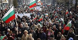 Bulgaristan'da GERB partisi mecliste çoğunluğu sağlayamadı: Rekor sayıda Türk milletvekili oldu!