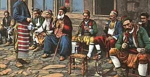 Dilenciler, tiryakiler ve çocuklarıyla Osmanlı toplumunda Ramazan manzaraları