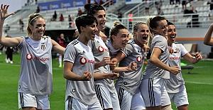 Beşiktaş Vodafone Kadın Futbol Takımı Şampiyon