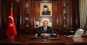 """Bursa Valisi Canbolat: """"Bundan 102 yıl önce bugün atılan o büyük adımı ve 19 Mayıs Atatürk'ü Anma, Gençlik ve Spor Bayramını kutluyorum"""""""