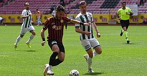 Bursaspor, Eskişehirspor'u 5 golle yıktı