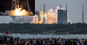 """Çin'in kontrolden çıkan """"Long March 5B"""" roketinin parçaları Maldivler yakınlarına düştü"""