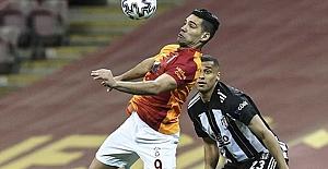 Galatasaray, Beşiktaş derbisinde 3 puanı 3 golle aldı