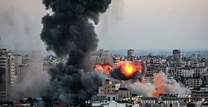 Gazze'de 10 Bine yakın Filistin'li evlerini terk etmek zorunda kaldılar