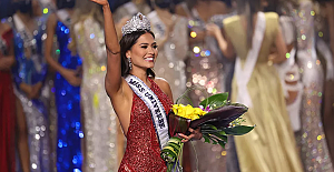 Kainat Güzellik Yarışması'nda tacın sahibi Meksika güzeli