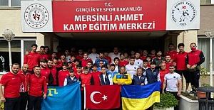 Kırımlı güreşçiler, Türkiye Milli Güreş Takımı ile birlikte uluslararası şampiyonaya hazırlandı
