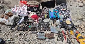Terör Örgütü PKK'ya Ait Çok Sayıda Mühimmat Ve Yaşam Malzemesi Ele Geçirildi