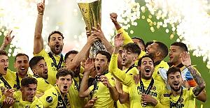 UEFA Avrupa Ligi kupası, Manchester United karşısında penaltılarla Villarreal'in
