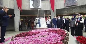 9. Cumhurbaşkanı Süleyman Demirel, anıt mezarı başında törenlerle anıldı