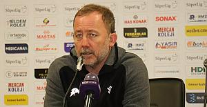 Beşiktaş'la sözleşme imzalamaya hazırlanan Sergen Yalçın'dan tazminat kararı