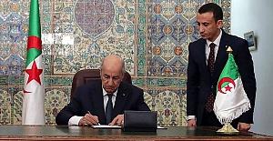 """Cezayir Cumhurbaşkanı, 23 yıldır bekleyen """"Türkiye- Cezayir Deniz Seyrüsefer Anlaşması""""nı onayladı"""