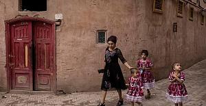 Çin'in doğum kontrol politikaları nedeniyle 'Güney Sincan'da Uygurların nüfusu 20 yılda üçte bir azalabilir'
