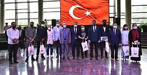 Gençler 'Mehmet Akif' Sevgisini Satırlara Döktü