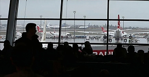 İstanbul'da uçuşlara yağmur engeli