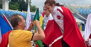 Özel sporcu Muhsine Gezer Polonya'da dünya şampiyonu oldu!