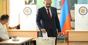 Paşinyan, Ermenistan'da seçimleri kazandı ama tek başına hükumet kuramayacak Haberler