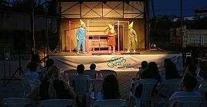 Çocuklara açık havada tiyatro keyfi