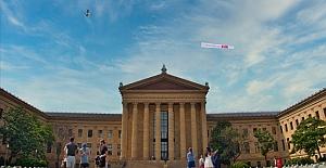 """FETÖ elebaşının yaşadığı Pensilvanya eyaletinde """"Demokrasi Zaferi"""" afişi taşıyan uçak uçuruldu Güncel"""