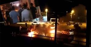 İran'da halk ayaklandı: Tankı ateşe verdiler