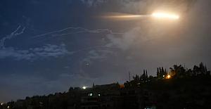Rusya: Suriye hava savunması İsrail'in hava saldırısını püskürttü