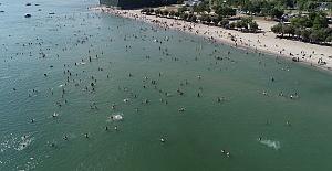 Sakarya'da panik! Denize giren 32 kişinin vücudu kızardı hastanelik oldu