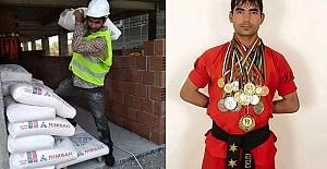 Afganistan'ın kick boks şampiyonu, Erzincan'da inşaatlarda çalışarak geçimini sürdürüyor