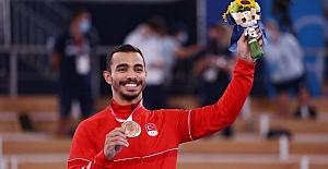 Ferhat Arıcan cimnastikte tarih yazdı! Olimpiyat tarihimizde ilk madalya