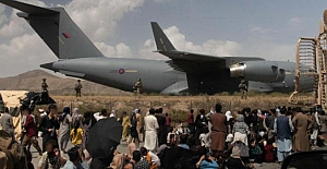 """Kabil'deki Hamid Karzai Uluslararası Havalimanı'nın """"hızlı ve güvenli bir şekilde yeniden açılması"""" kararını kabul etti."""